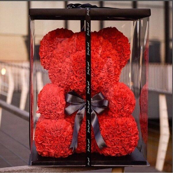 nounours en rose rouge avec boite